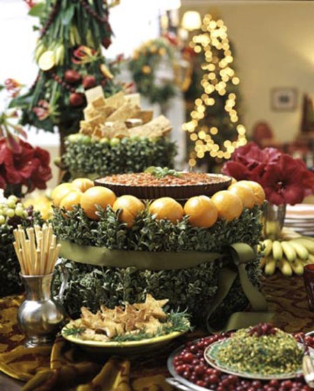 A festive buffet table. (Photo: Traditional Home)