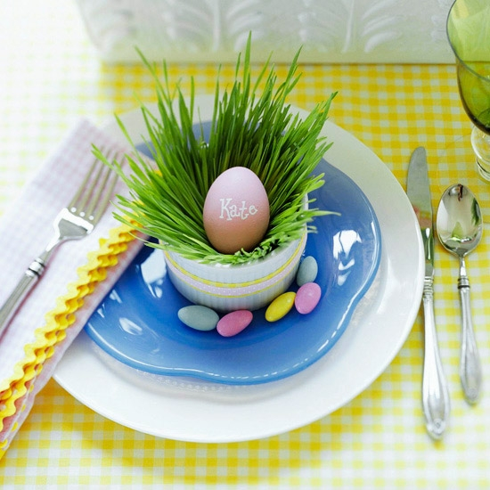 Grass-and-egg Easter table setting. (Photo: Better Homes and Gardens)