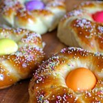 Italian Easter Bread. (Photo: The Italian Dish)