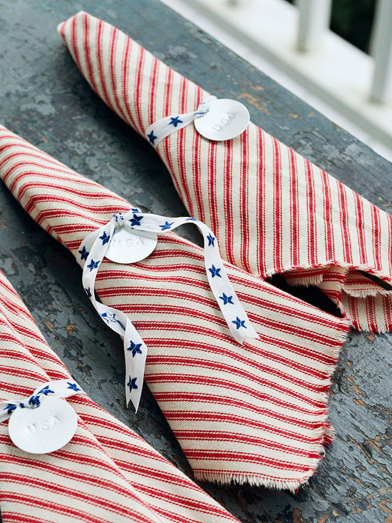 DIY no-sew napkins. (Photo: Better Homes and Gardens)
