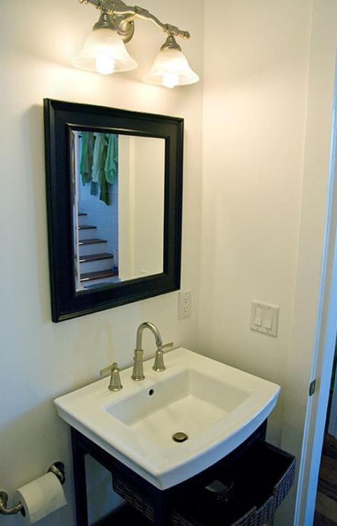 HGTV 2008 Green Home powder room
