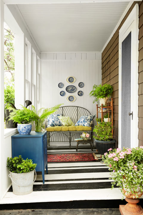 A dreamy front porch.