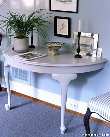 DIY Half-table console. (Photo: Martha Stewart)