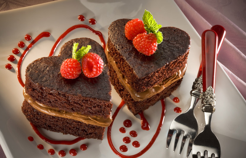 Chocolate Sweetheart Cakes for Two (Photo: Hershey's Kitchen)