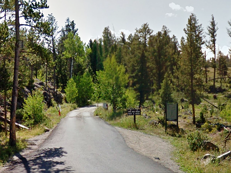 Entrance to Blacktail Plateau Drive.
