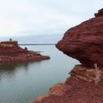 Glendo Reservoir red rocks. (Photo: Wyoming Tourism)