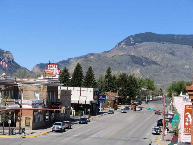 Looking west on Sheridan Avenue in downtown Cody, WY. (Photo: City Data)