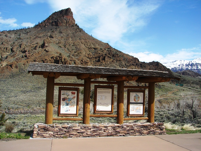 Information kiosk just inside the east entrance of Shoshone National Forest.