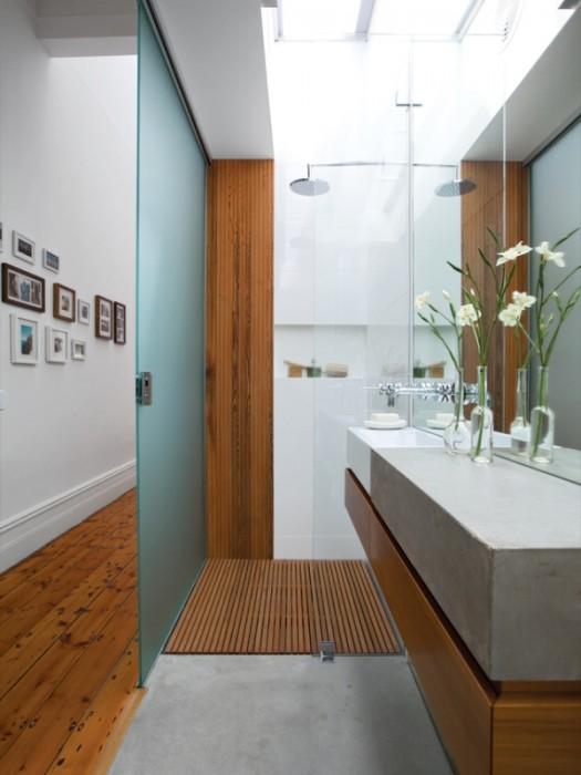Brammy Kyprianou house bathroom.