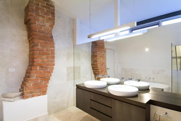 Brammy Kyprianou house master bath.