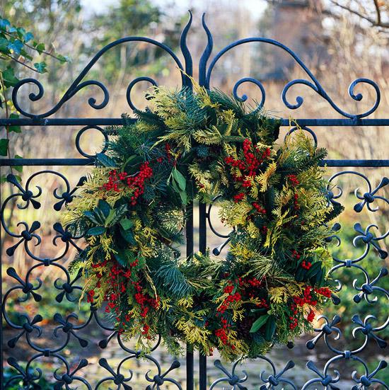 Christmas wreath (Photo: Traditional Home)