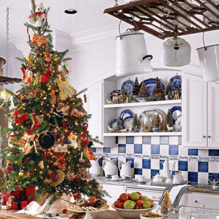 Christmas tree on kitchen counter.