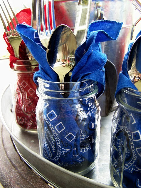 Bandanas are used as napkins and placed in mason jars with silverware. (Photo: I {Heart} Nap Time)