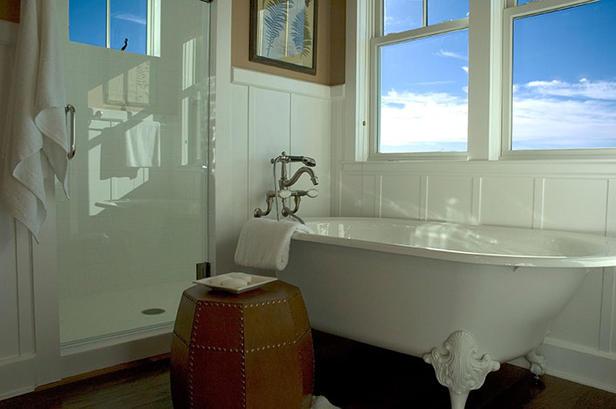 HGTV 2008 Green Home master bath