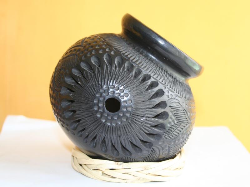 Black clay de Oaxaca (Photo: Claudia Martínez)