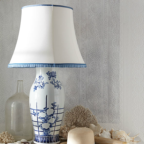 Allysoln Lattice Table Lamp with customized lampshade.