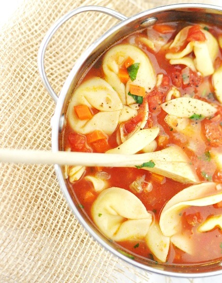 Speedy Vegetarian Cheese Tortellini Soup (Photo: Savoring the Thyme)