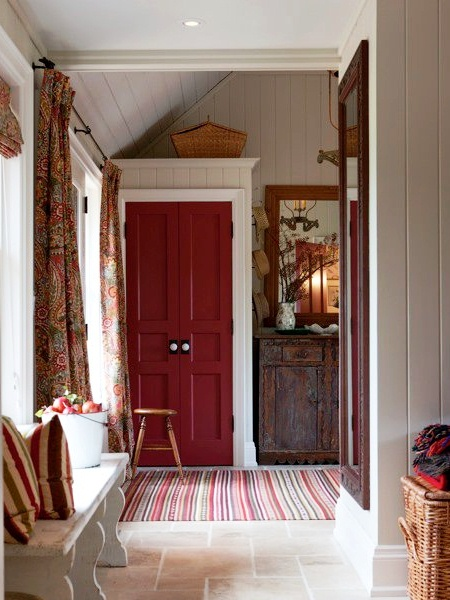 Sarah's country house entry.