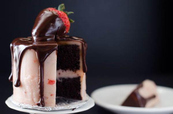Mini Chocolate Covered Strawberry Layer Cake for Two (Photo: Cake Merchant)