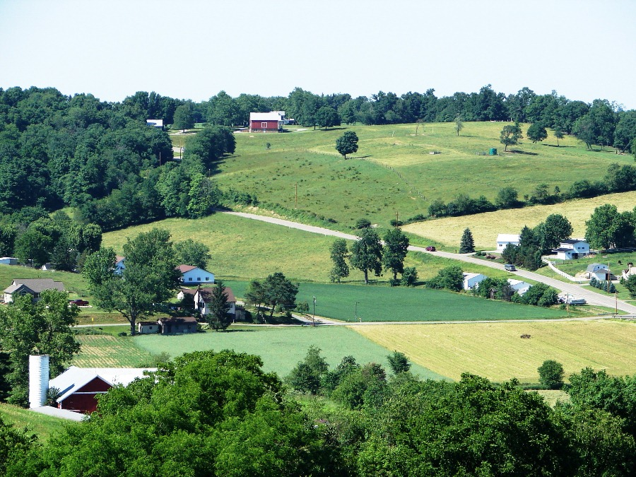 Rolling hills of Holmes County
