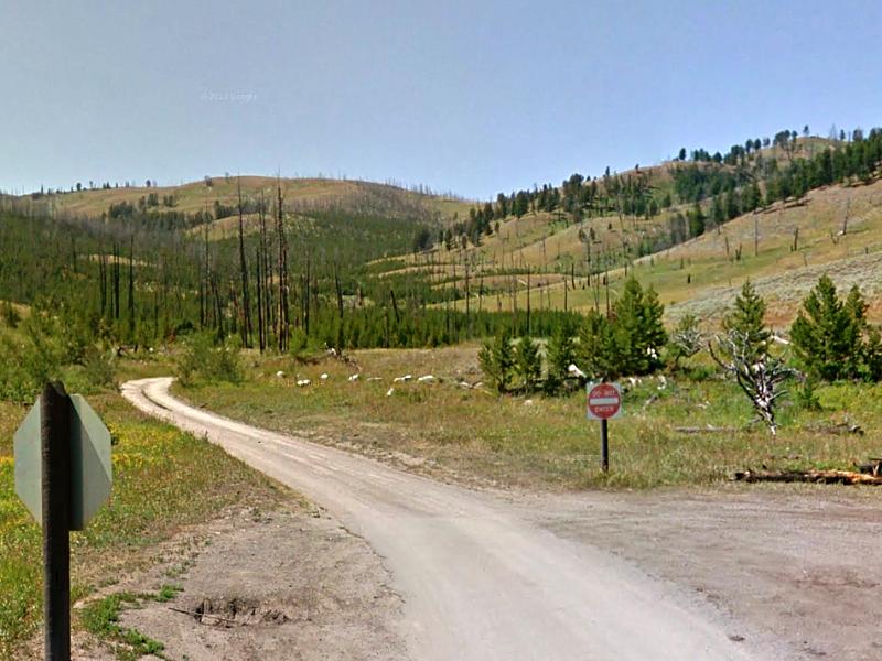 Exit for Blacktail Plateau Drive.