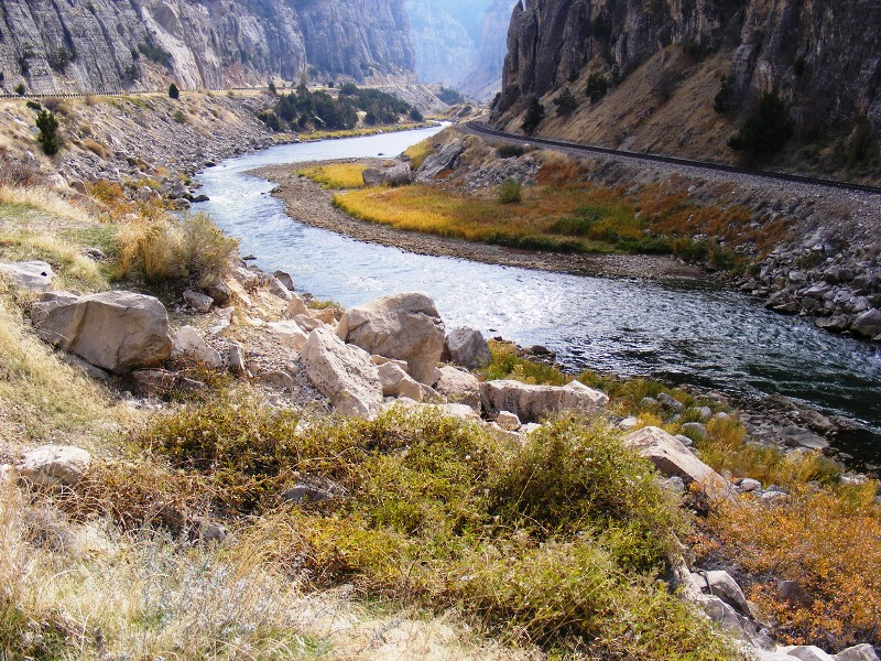 A river runs through it . . . the Wind River, to be exact. (Photo: City Data)