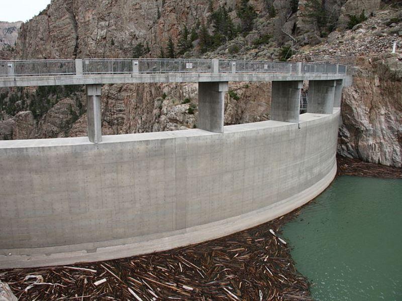 Upstream, facing the Buffalo Bill Reservoir. (Photo: Wikipedia)