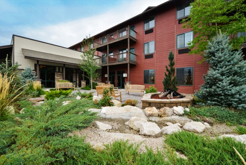 The Cody Hotel gardens. (Photo: The Cody Hotel)