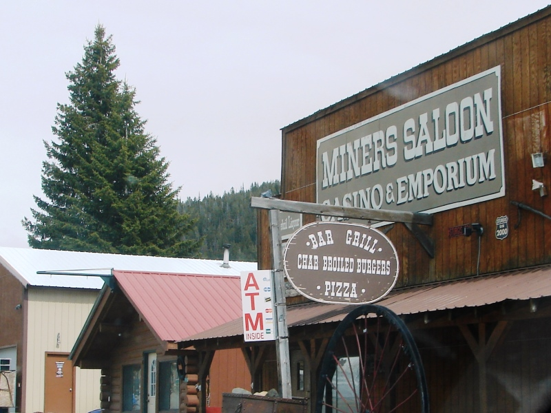 Burgers, pizza, and Moose Drool on tap are popular at Miners Saloon.